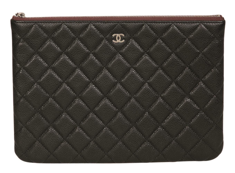 Chanel Pochette.
